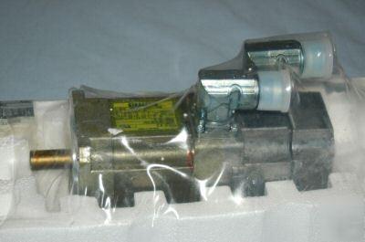 New Siemens 3 Phase Servo Motor 1fk7032 5ak71 1hgo